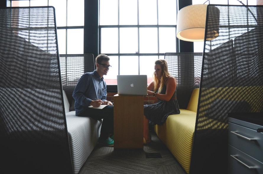 Où travailler pour un community manager freelance